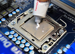 thermal_paste-on-processor Pasta gigi Procesor  wallpaper