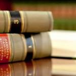 Buku hukum, undang-undang dan hukum syariah di Indonesia