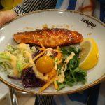 Nikmatnya Salmon Guriru Hokben