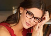 tips menggunakan kacamata untuk mata normal