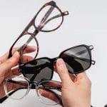8 Kebiasaan Penyebab Kamu Harus Menggunakan Kacamata