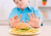 hindari junk food agar pikiran sehat dan lebih bebas